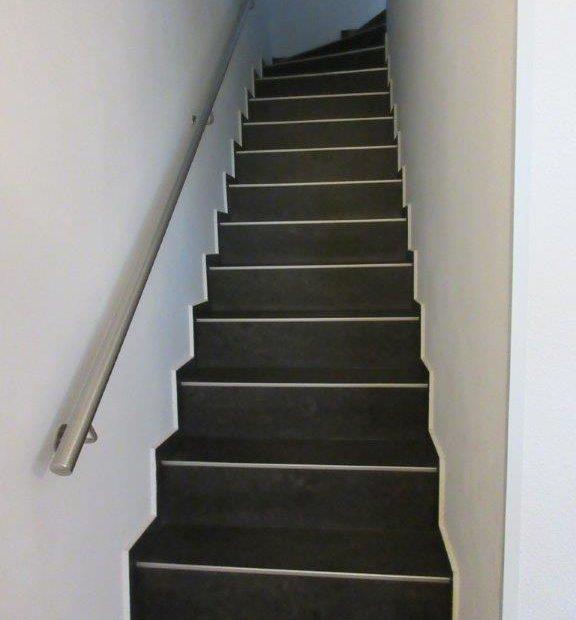 25 Treppe in den 2. Stock